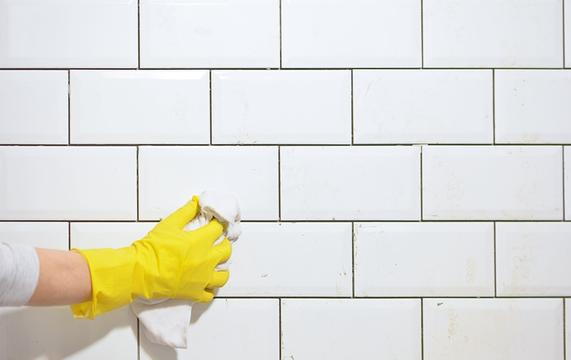 cleaning wall tiles